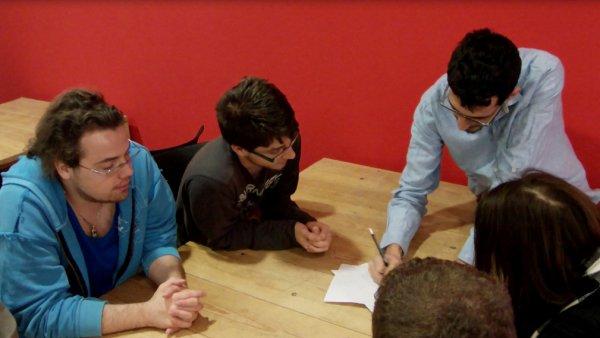 Nubla_reunión_jóvenes_pp_edu